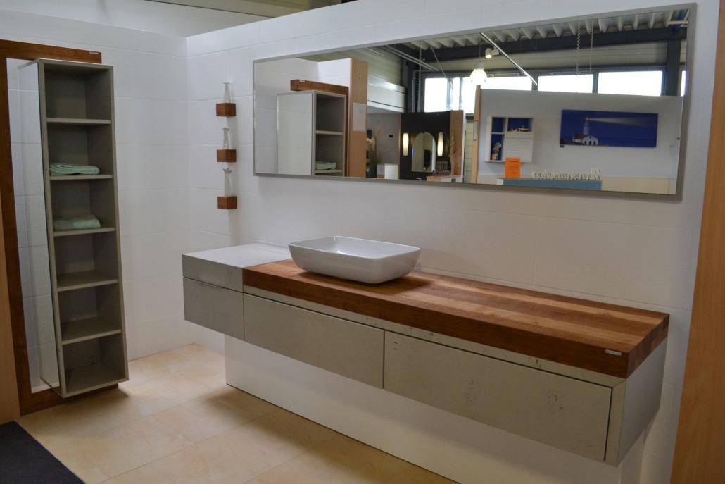 Beton und Holz - ein Projekt der Kategorie Badmöbel von bulbaum