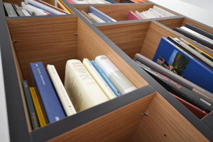 For books and more: ein bulbaum Produkt ist immer eine qualitativ hochwertige Einzelanfertigung. bulbaum hat die kreative Idee und das perfekte Handwerk für jeden Kundenwunsch.