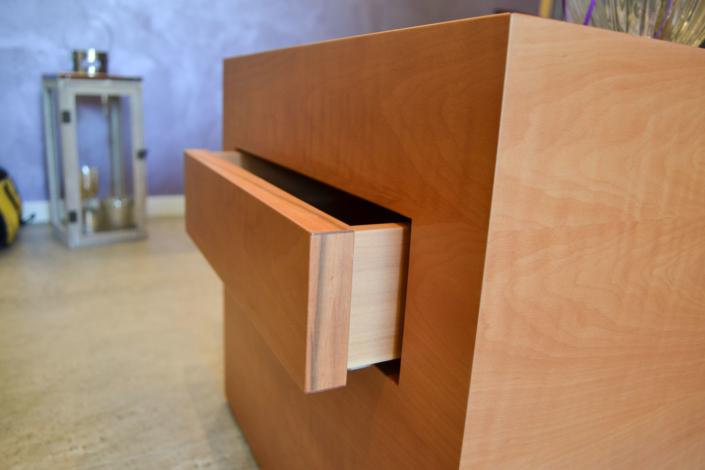 Geheimversteck: Ein bulbaum Produkt ist immer eine qualitativ hochwertige Einzelanfertigung. bulbaum hat die kreative Idee und das perfekte Handwerk für jeden Kundenwunsch.